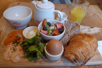 <p>The fisherman&#39;s brunch was a well balanced and very filling meal.</p>