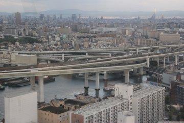<p>Урбанистическая Осака</p>