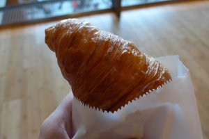 The croissant is quite big for the price.
