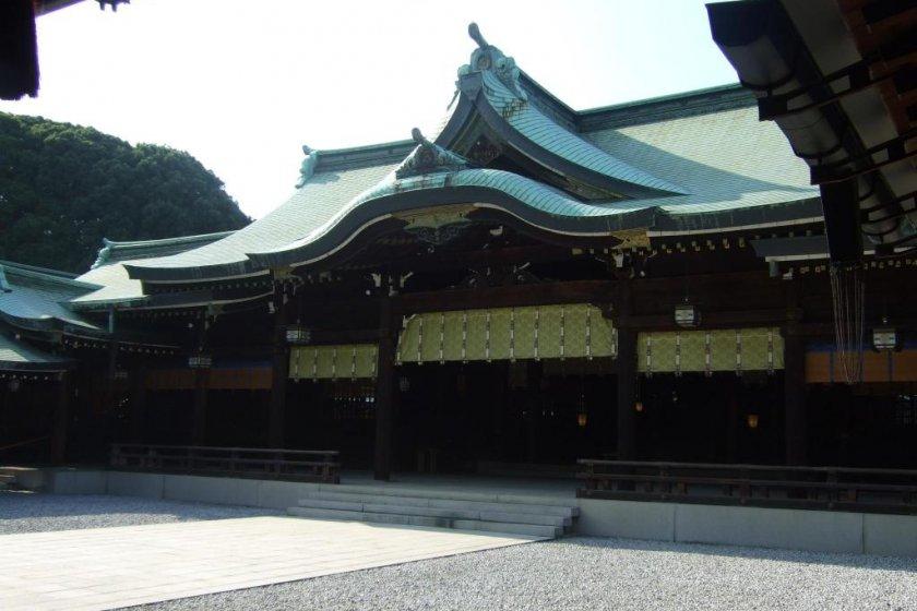 Meiji Jingu Shrine - Shibuya, Tokyo - Japan Travel