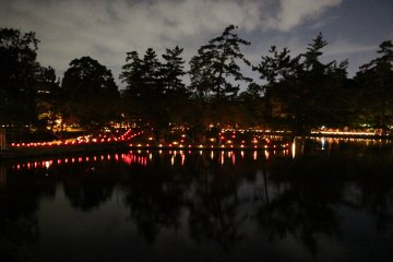 <p>Looking back from outside Todaiji</p>