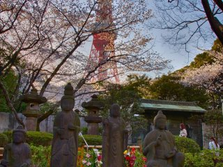Buddhist statues and Tokyo Tower