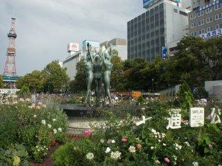 Sebagai kota terbesar di Hokkaido, Sapporo memiliki taman cantik seperti Taman Oodori ini.