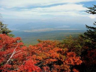 Lake Yamanaka in the distance