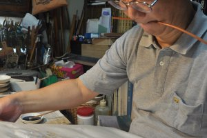 Professional skills for framing a cloth for painting