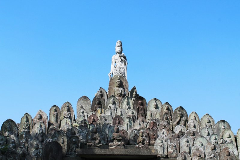<p>The stone Buddha pyramid with a big statue on top</p>