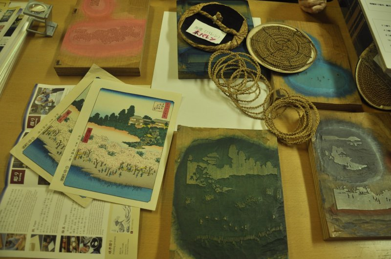 <p>Different tools for making woodblock prints</p>