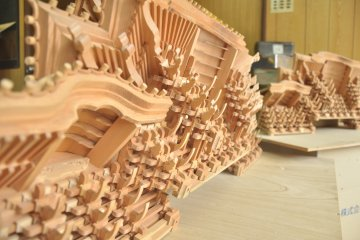 <p>Very finely made model of the front ceiling of a shrine</p>