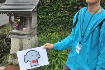 <p>University students also join the festival by lending a helping hand to give guidance to visitors</p>