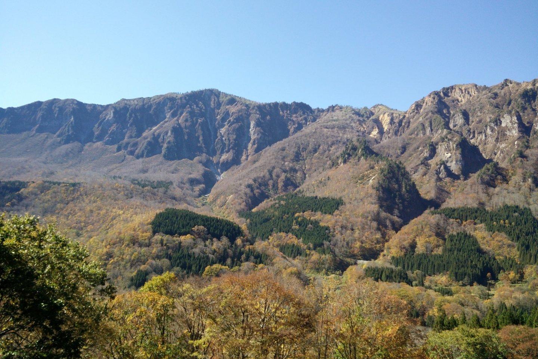 Stunning scenery around every turn in Akiyamago
