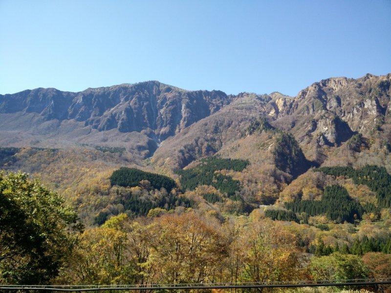 <p>Stunning scenery around every turn in Akiyamago</p>