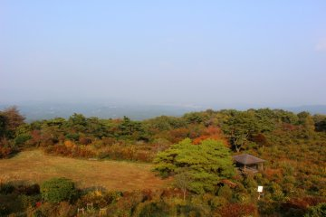 <p>Looking east from Mt. Kono&#39;s summit observatory</p>