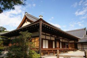 อารามในบริเวณวัดคินคะคุจิ ( Kinkakuji Temple )