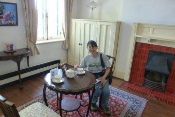 <p>Tea Time at British Consulate</p>