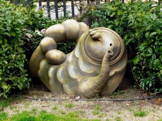 Довольно абстрактная скульптура