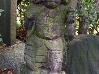 Бисямонтэн - бог-защитник, способствует богатству и процветанию