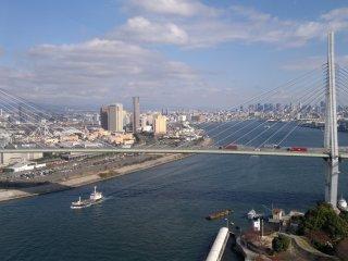 Tầm nhìn hoàn hảo ra Cầu Tempozan và khu vực vịnh Osaka