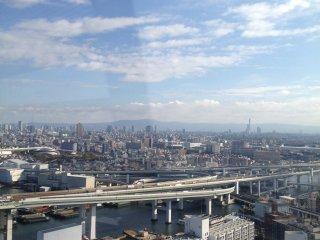 Cảnh quan thành phố Osaka tuyệt đẹp từ xa.