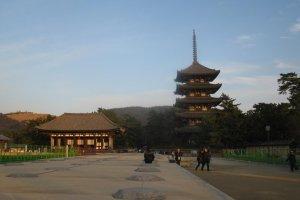 Tokondo and the five story pagoda
