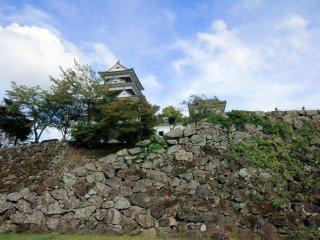 Le château d'Ōzu, en bonne partie reconstruit en 2004