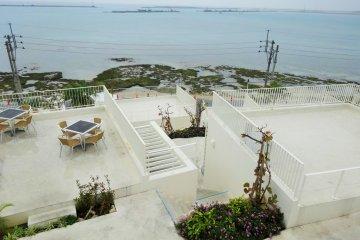 Teras Umikaji di Okinawa