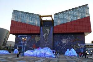 พิพิธภัณฑ์สัตว์น้ำไคยูคัง (Kaiyukan Aquarium) หนึ่งในพิพิธพันธ์สัตว์น้ำที่ใหญ่ที่สุดในโลก