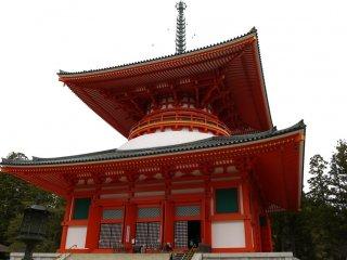 เจดีย์ Konpon Daito เจดีย์ใหญ่ของวัดคอนโกะบุ-จิ (Kongōbu-ji