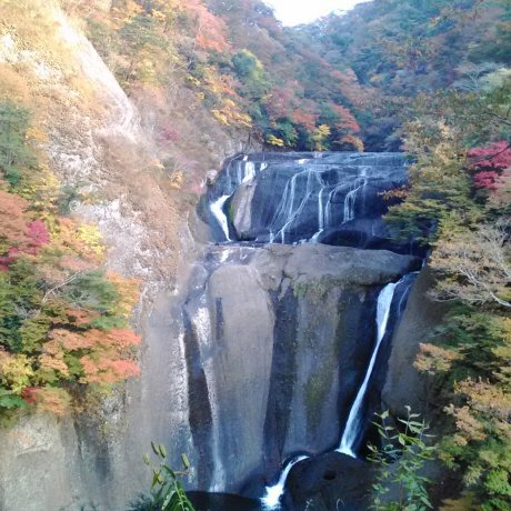 Autumn in Fukuroda Falls, Ibaraki
