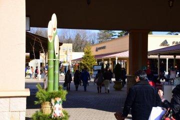 <p>Kadomatsu ornament for new year decorates the entrance</p>
