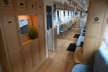 Relax with luxury dining in polished wood carriages, taking you on three different routes every Friday, Saturday, Sunday as well as on public holidays.