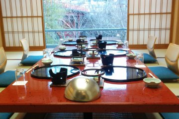 <p>The dinner setup for guests which prefer to eat outside their rooms</p>