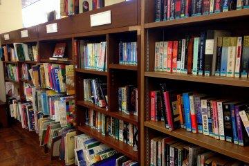 福生市中央図書館