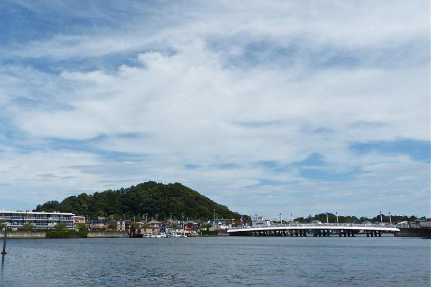 野島と夕照橋