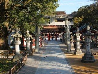 一進入這個被大自然包圍的神社就會感到身心放鬆。