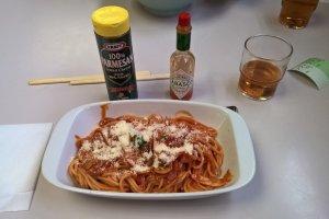 Un autre mets populaire, les spaghettis à la Napolitaine
