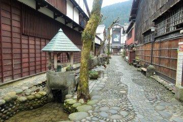 Exploring Gujo Hachiman
