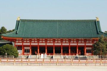 Heian Shrine (Photo courtesy of City of Kyoto and Kyoto Tourism Council)