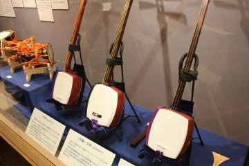 Shamisen are a prominent instrument in kabuki theater