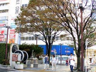 Let's step out from Numazu Station's Minami exit