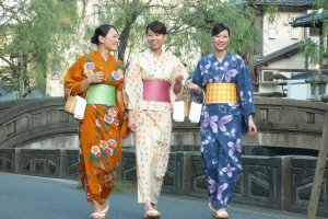 Strolling in Color Yukata - Kinosaki Onsen