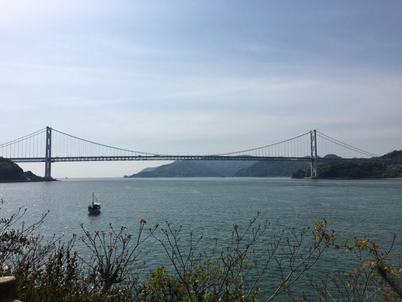 The first bridge you cross is Innoshima Bridge, a 1.27km long suspended bridge connects Mukaishima to Innoshima.