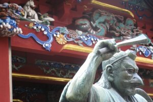 Statue of a tengu, a messenger between the deities and people