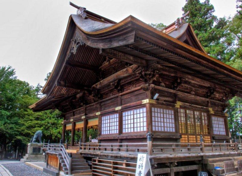 Akimiya's central worship hall
