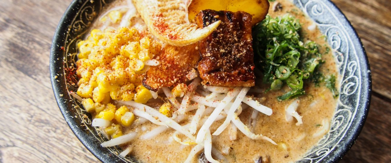 Ramen vegan di Vegans Cafe and Restaurant