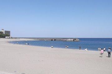 Bãi biển Nagahama ở Izu