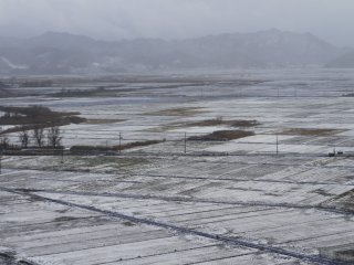 The view from the train the day after the first snowfall, going from Yamagata to Fukushima