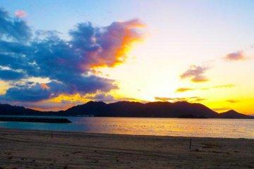 Setoda Private Hostel sunset beach