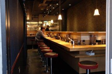 下北澤南口商店街-銀座餐廳