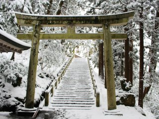 Stairway leading up to the main shrine, covered in white