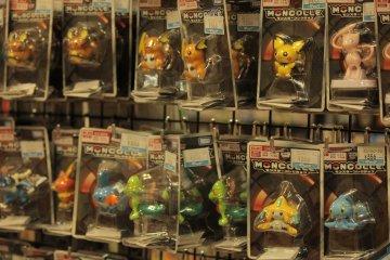 Figuras de colección de Pokemon.